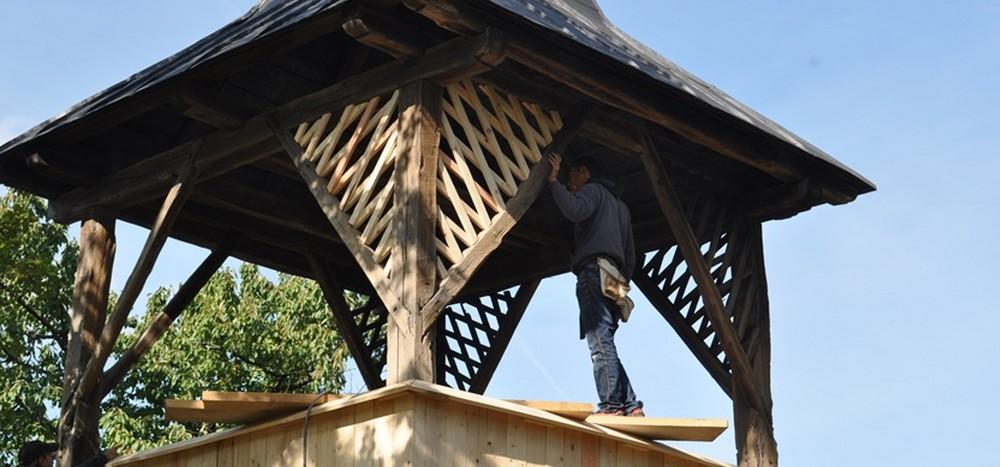 Vrátenie života drevenej zvonici v Dargove