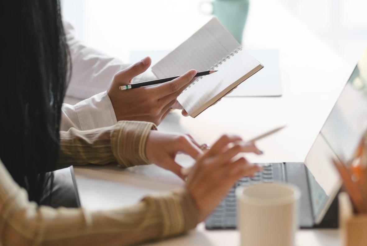 Prevezmite projekt Online tlmočník. Do konca októbra máte šancu sa prihlásiť